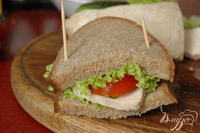 Фото приготовление рецепта: Сэндвич с запеченой индейкой шаг №6