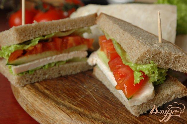 Фото приготовление рецепта: Сэндвич с запеченой индейкой шаг №7