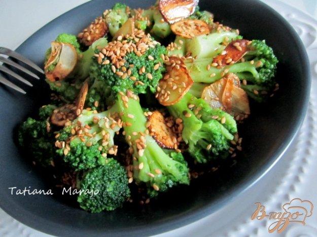 Рецепт Теплый салат с капустой брокколи