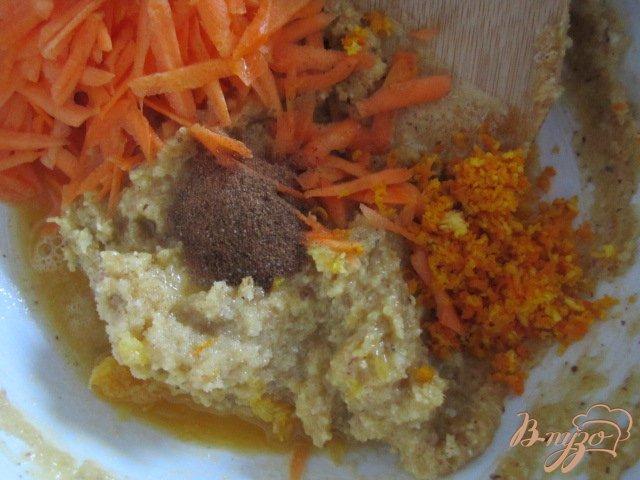 Фото приготовление рецепта: Английский морковный кекс шаг №6