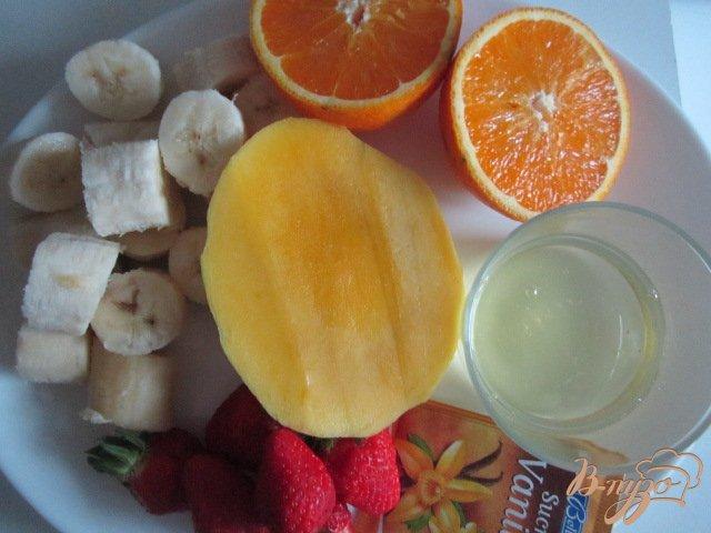Фото приготовление рецепта: Фруктовый гоголь-моголь шаг №1
