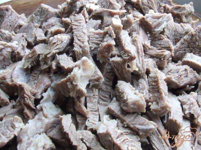 Фото приготовление рецепта: Солянка с копченостями шаг №5