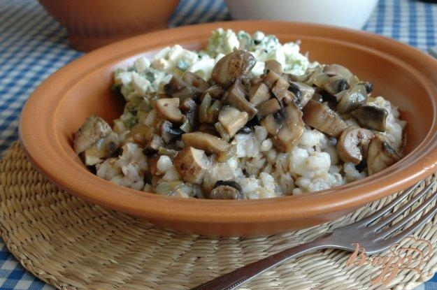 Рецепт Перловка с луком и грибами