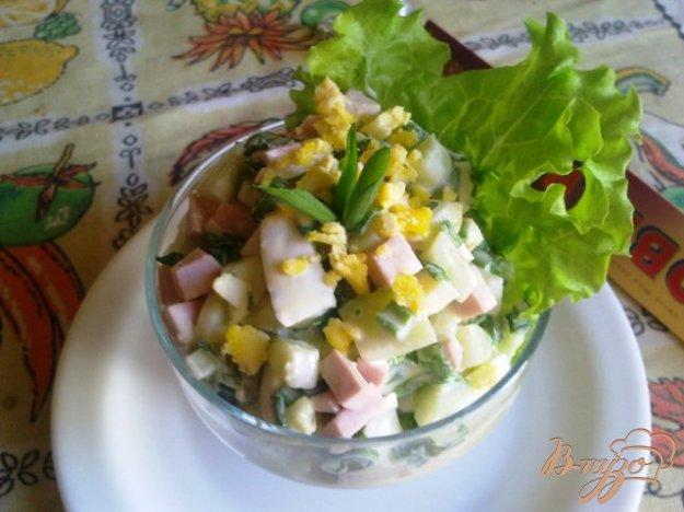 фото рецепта: Сытный салат «Весенний»