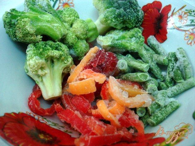 Фото приготовление рецепта: Суп с горошком и овощами шаг №6