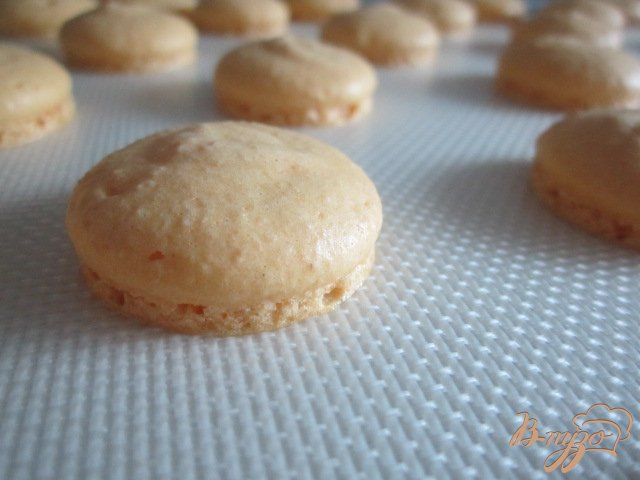 Фото приготовление рецепта: Йогуртово-ананасовый тортик шаг №12