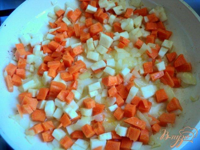 Фото приготовление рецепта: Зеленый борщ с фасолью (постный) шаг №3