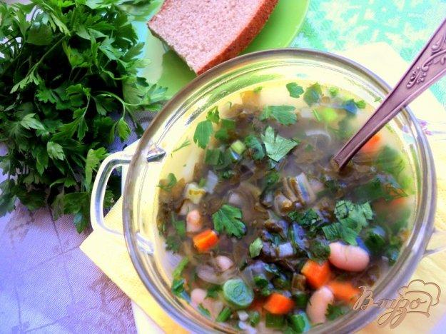 фото рецепта: Зеленый борщ с фасолью (постный)