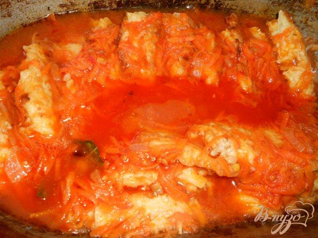 Фото приготовление рецепта: Котлеты капустные, тушеные в томате шаг №7