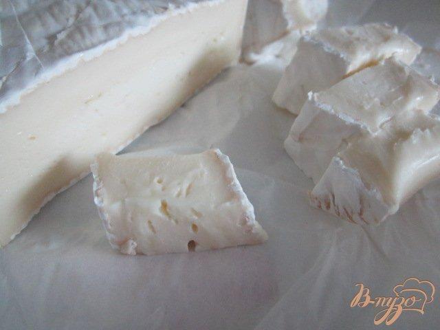 Фото приготовление рецепта: Паста со сливочно-шпинатным соусом шаг №2