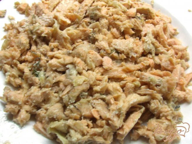 Фото приготовление рецепта: Суп из хребта семги шаг №3