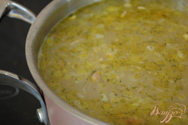 Фото приготовление рецепта: Суп из консервированной скумбрии шаг №5