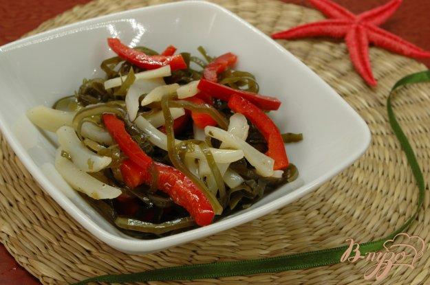 Рецепт Салат из морской капусты, кальмара и перца
