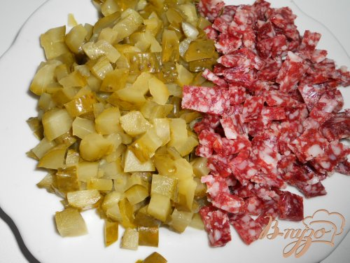 Солянка с копченой колбасой
