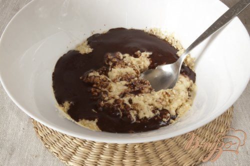 Шоколадный пирог с фундуком