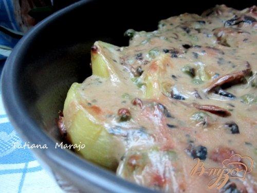 Запеканка из картофеля под грибным соусом