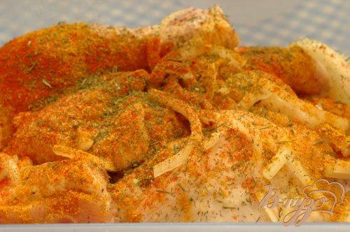 Запеченая курица, маринованная в кефире