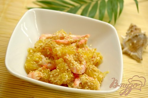 Азиатский салат с креветками и апельсином