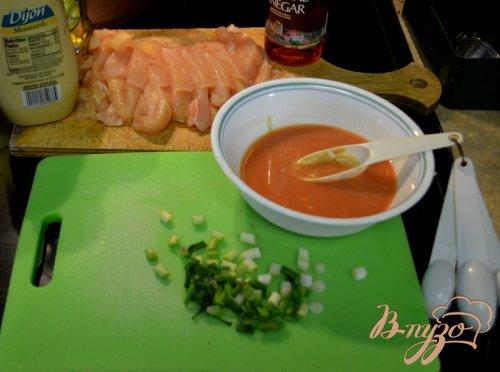 Куриный гужон с чесночным соусом
