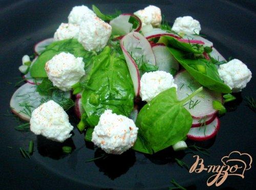 Салат из редиса и шариков феты