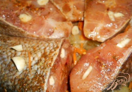 Толстолобик запеченный с овощами и сыром