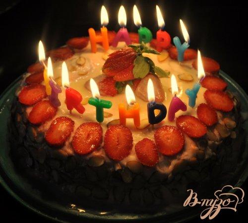 Торт с клубничным муссом и белым шоколадом