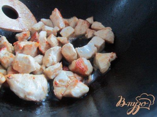 Цукини с куриным мясом тушеные в сметане