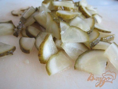 Картофельный салат с редисом и маринованными огурцами
