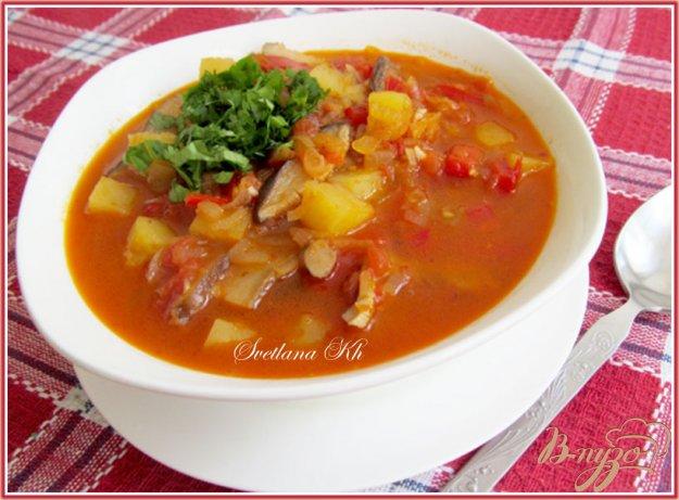 фото рецепта: Постный суп - гуляш с грибами по - венгерски