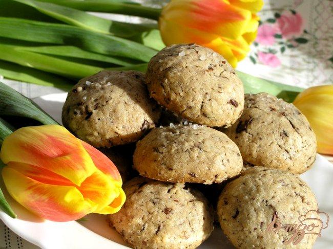 Фото приготовление рецепта: Шоколадное печенье с солью от Армана Арналя шаг №9