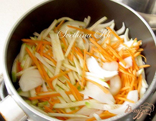 Фото приготовление рецепта: Семга по-китайски с гарниром из овощей шаг №5