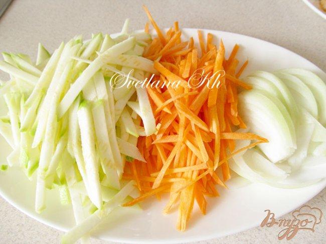 Фото приготовление рецепта: Семга по-китайски с гарниром из овощей шаг №2