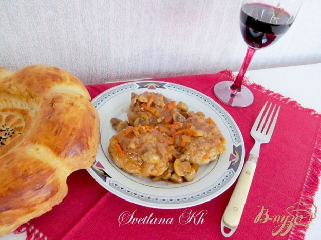 Рецепт Биточки с грибным соусом