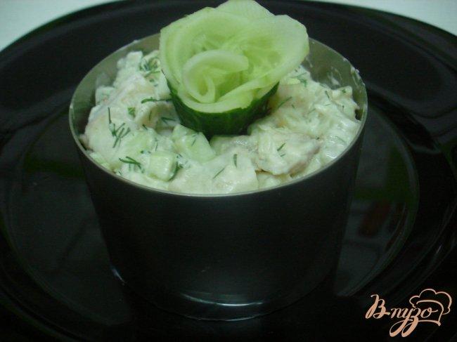 Фото приготовление рецепта: Салат из хека шаг №5