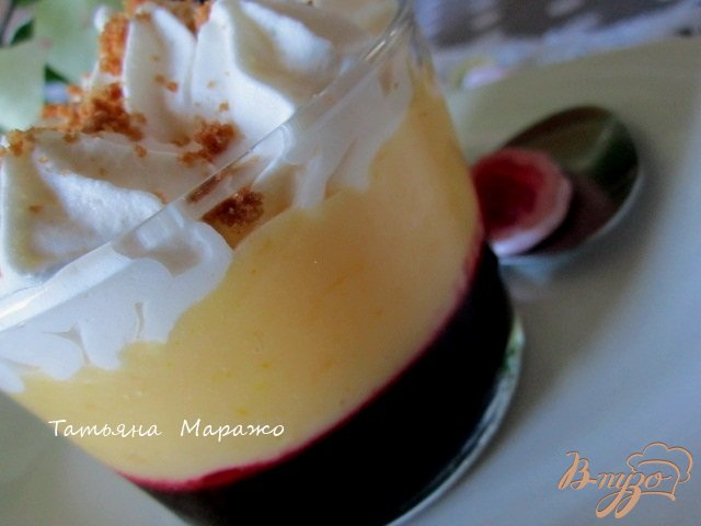 Фото приготовление рецепта: Ягодно-фруктовый трайфл шаг №11