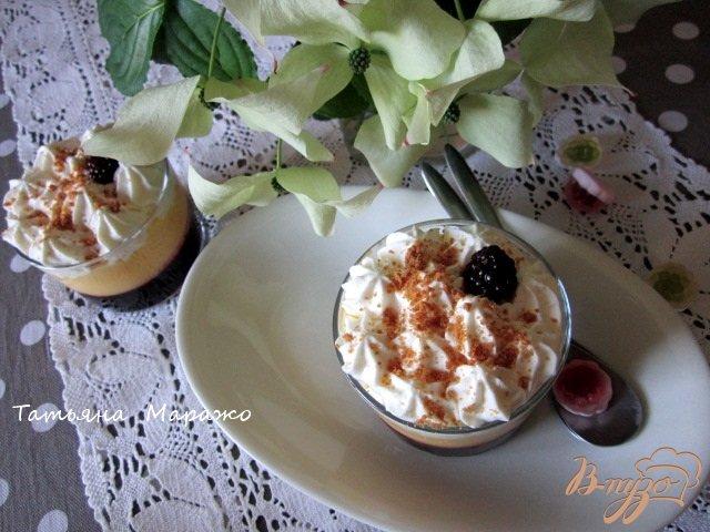 Фото приготовление рецепта: Ягодно-фруктовый трайфл шаг №10