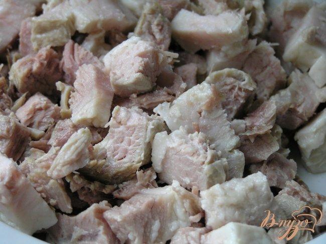 Фото приготовление рецепта: Томатный суп со свининой и рисом