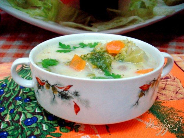фото рецепта: Летний лёгкий суп с сырками