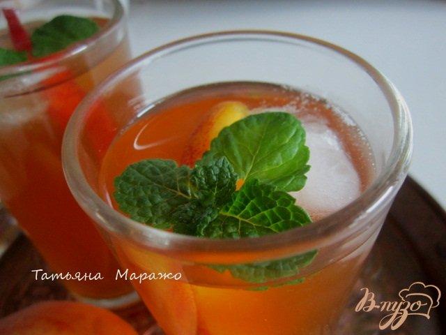 Фото приготовление рецепта: Холодный персиковый чай ( ice tea) шаг №5