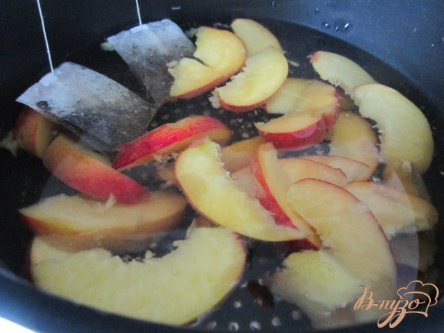 Фото приготовление рецепта: Холодный персиковый чай ( ice tea) шаг №3