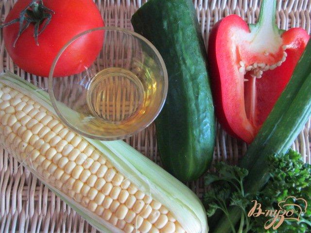 Фото приготовление рецепта: Овощной салат со свежей сладкой кукурузой шаг №1