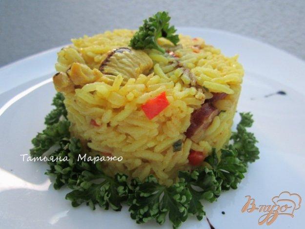 фото рецепта: Рис с куриным мясом  и копчеными колбасками