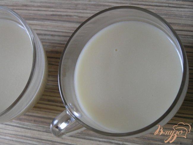 Фото приготовление рецепта: Кокосовая панна котта с манго шаг №3