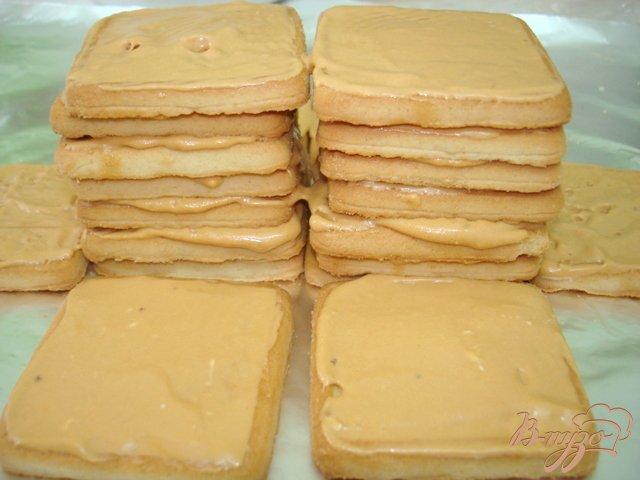Фото приготовление рецепта: Пирожное без выпечки шаг №4