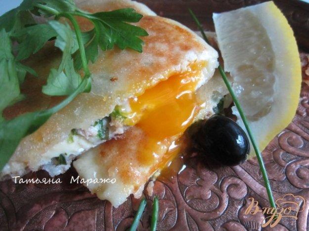 Рецепт Брик с тунцом и яйцом