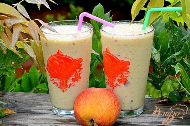 Фото приготовление рецепта: Персиковый смузи шаг №3