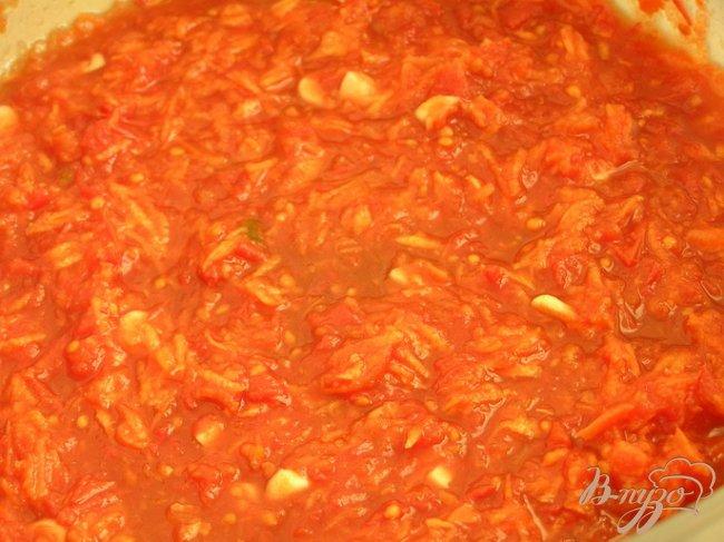 Фото приготовление рецепта: Котлетки с зеленью и бразильским орехом под томатным соусом шаг №6