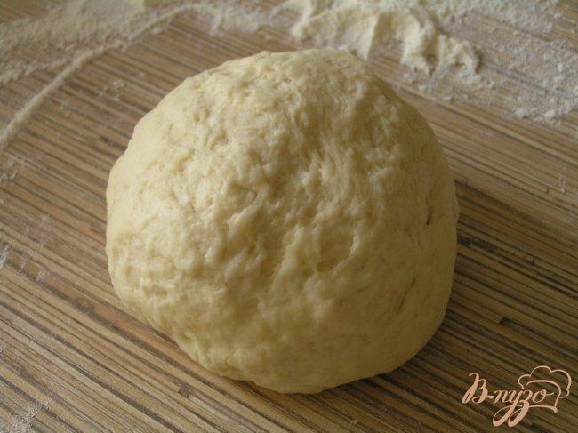 Фото приготовление рецепта: Чебуреки с желтой чечевицей и грибами шаг №3