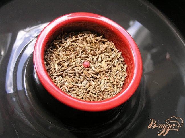 Фото приготовление рецепта: Пряный суп с нутом, овощами и тмином шаг №1