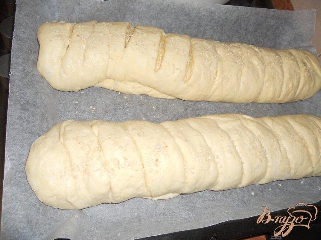 Фото приготовление рецепта: Батон с кунжутом шаг №4